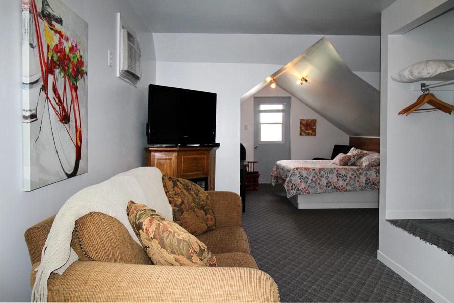 suite01-salon-balcon